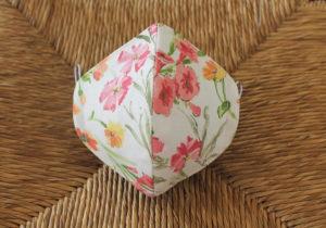 Mascarilla de tela estampado floral